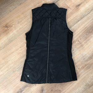 Lululemon What The Fluff Vest Size 6